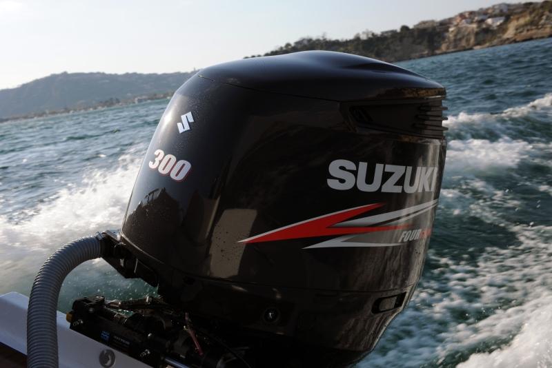 Lodný motor benzínový SUZUKI DF 300