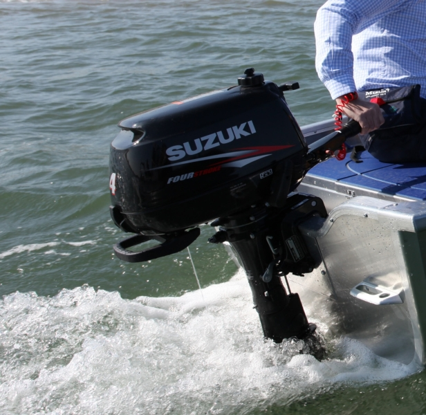 Lodný motor benzínový SUZUKI DF 4 Hp