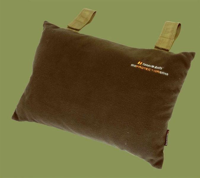 Vankúš Carp Pillow Invader 50x30cm