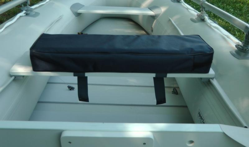 Podsedák na sedačku člna - čierny